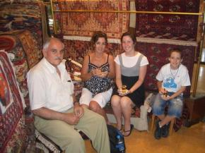 Grand Bazaar, tea ceremony after a purchase