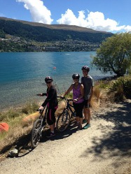The pretty Queenstown trail around Lake Wakatipu