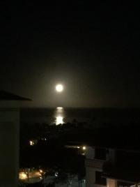 15.1451242355.the-moon-setting-at-ko-olina