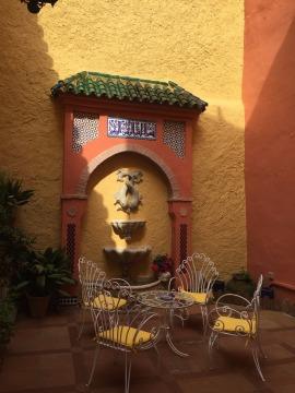 Breakfast courtyard.