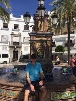 Mark in Plaza Espana, Vejer.