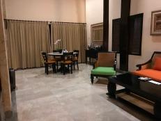 18.1482805528.lounge-room
