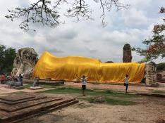 19.1494432415.the-huge-reclining-buddha