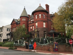 They love Halloween in Georgetown!